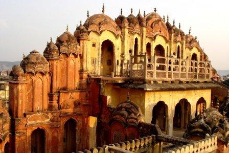 hawa mahal der palast der winde in jaipur. Black Bedroom Furniture Sets. Home Design Ideas