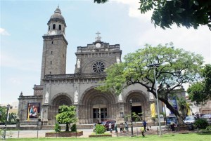Alte Kathedrale im Zentrum von Manila