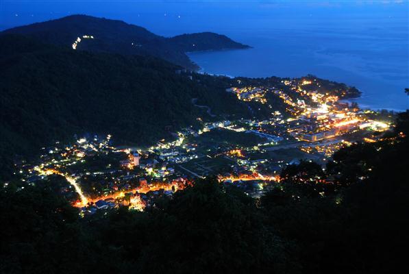 Phuket Stadt bei Nacht