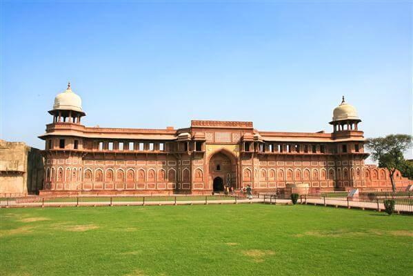 Blick auf die Innere Festungsanlage vom roten Fort von Agra