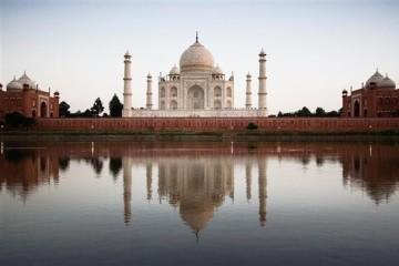 Taj Mahal am Fluss Yamuna - Indien