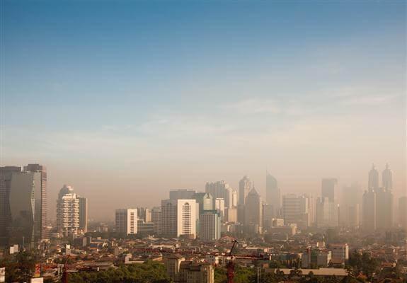 Smog über Jakarta - Indonesien