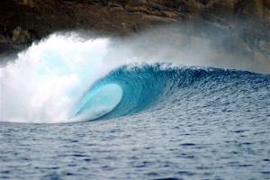 Surfen bei Sumbawa - Indonesien