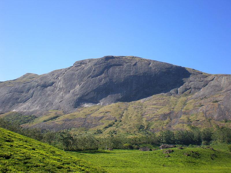 Der Berg Anaimudi im Eravikulam Nationalpark