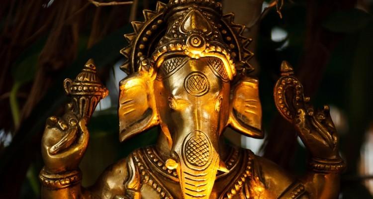 Die Ganesha Skulptur (der Elefanten-Gott in der Hindu Religion) im Changu Narayan Tempel