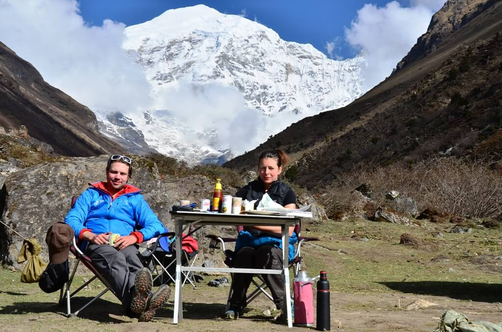 berghorizonte_2013-07-bhutan-reisen-linghi-laya-trek-chomolari-camp-asien-org