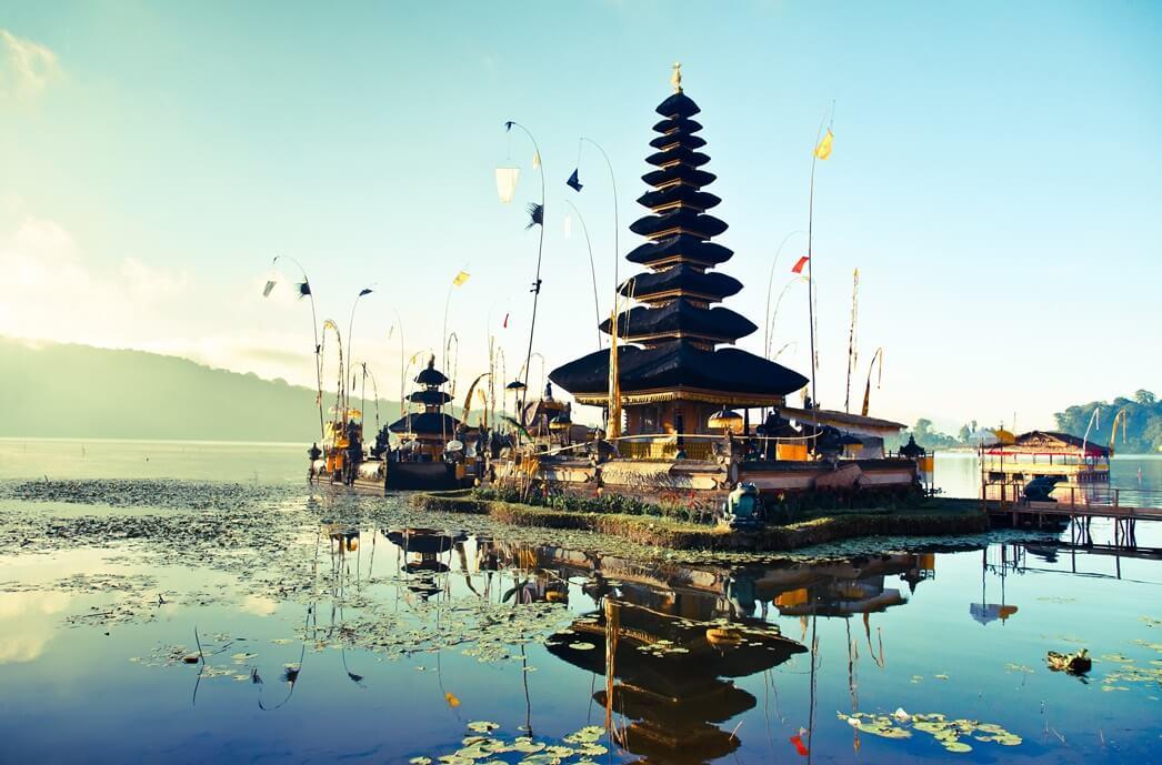 Pura Ulun Danu Bratan oder Pura Bratan - ein Wassertempel auf Bali