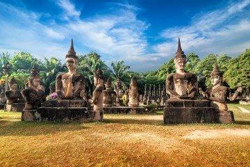 Statuen im Wat Xieng Khuan Buddha Park bei Vientiane