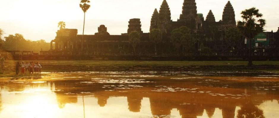 Sonnenaufgang bei Angkor Wat