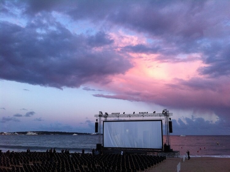 outdoor movie theatre gili air
