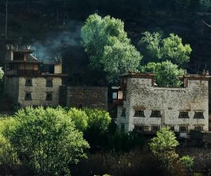 Tibetanisches Gebäude in Sichuan (China)