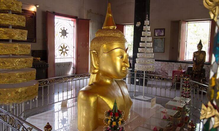 buddha statue Wat Phra Thong